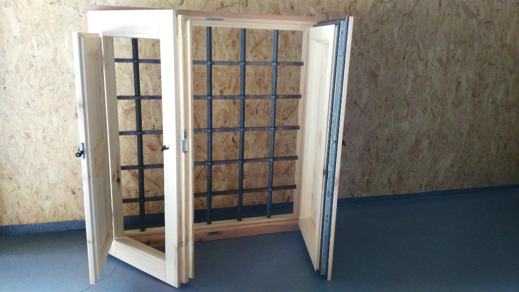 Rusticos y madera ventanas de madera for Ventanas en madera