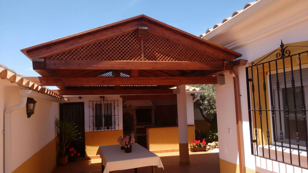 prgola de madera patio andaluz - Pergolas De Madera