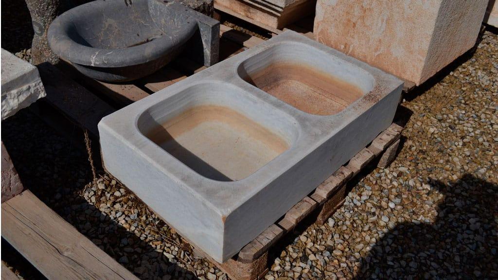 Rusticos y madera lavabos y fregaderos r sticos for Marmol gris veteado