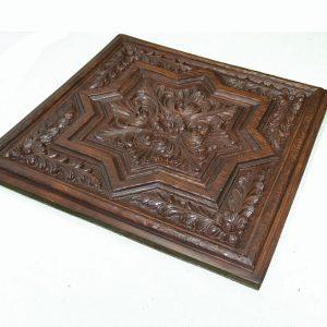 Plafón tallado de poliuretano, imitación a madera.