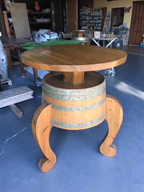 mesa-con-barrica-de-madera