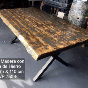 MESA CON PATAS DE HIERRO